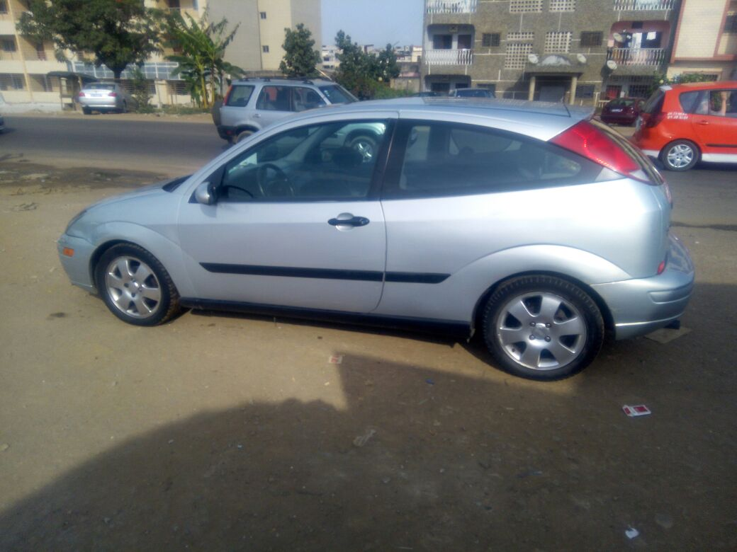 ford focus am ricaine 155480 km a vendre co t 2 300 000 fcfa ttc. Black Bedroom Furniture Sets. Home Design Ideas