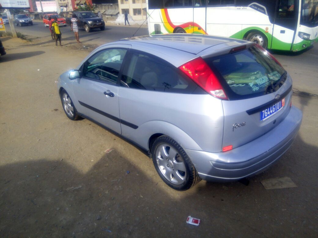 auto ci ford focus am ricaine 155480 km a vendre. Black Bedroom Furniture Sets. Home Design Ideas