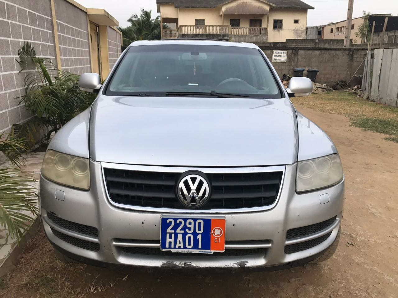 volkswagen touareg 2006 165000 km a vendre co t 5 500 000 fcfa ttc. Black Bedroom Furniture Sets. Home Design Ideas