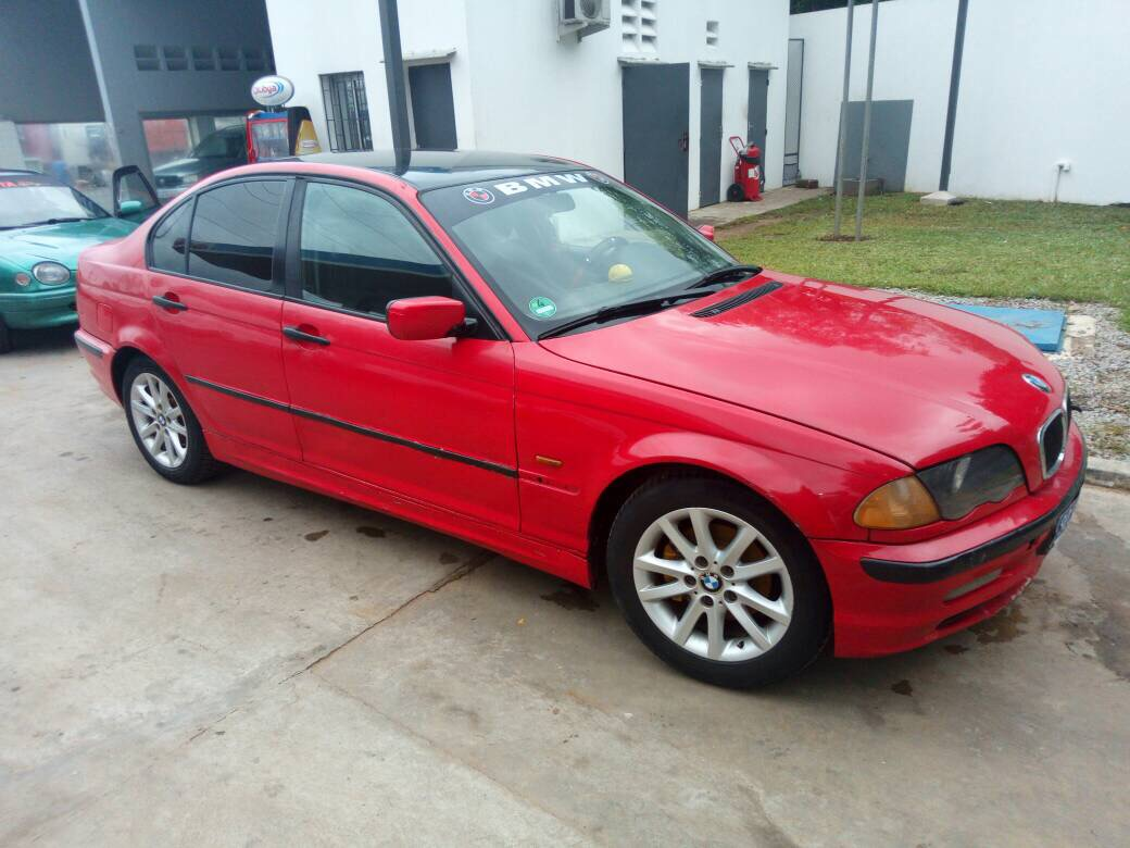 bmw s rie 1 bmw e46 rouge 140 km a vendre. Black Bedroom Furniture Sets. Home Design Ideas