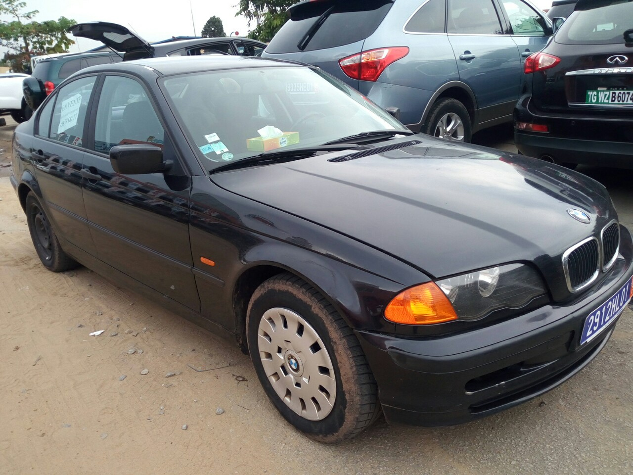 bmw s rie 3 manuelle 4 cylindres 300000 km a vendre co t 3 350 000 fcfa ttc. Black Bedroom Furniture Sets. Home Design Ideas
