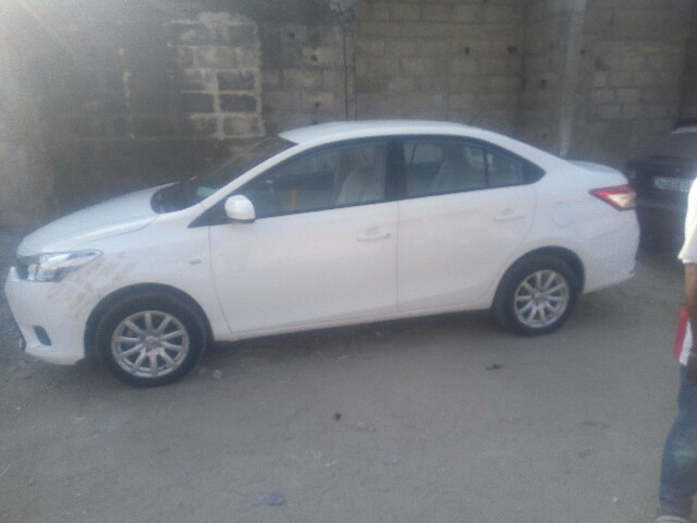 toyota yaris 2014 29000 km a vendre co t 15 800 000 fcfa ttc. Black Bedroom Furniture Sets. Home Design Ideas