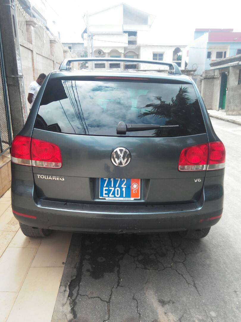 volkswagen touareg allemande 167451 km a vendre co t 4 500 000 fcfa ttc. Black Bedroom Furniture Sets. Home Design Ideas