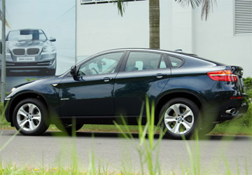 actualit c te d 39 ivoire interpol s 39 interesse aux bmw x6 d 39 abidjan. Black Bedroom Furniture Sets. Home Design Ideas